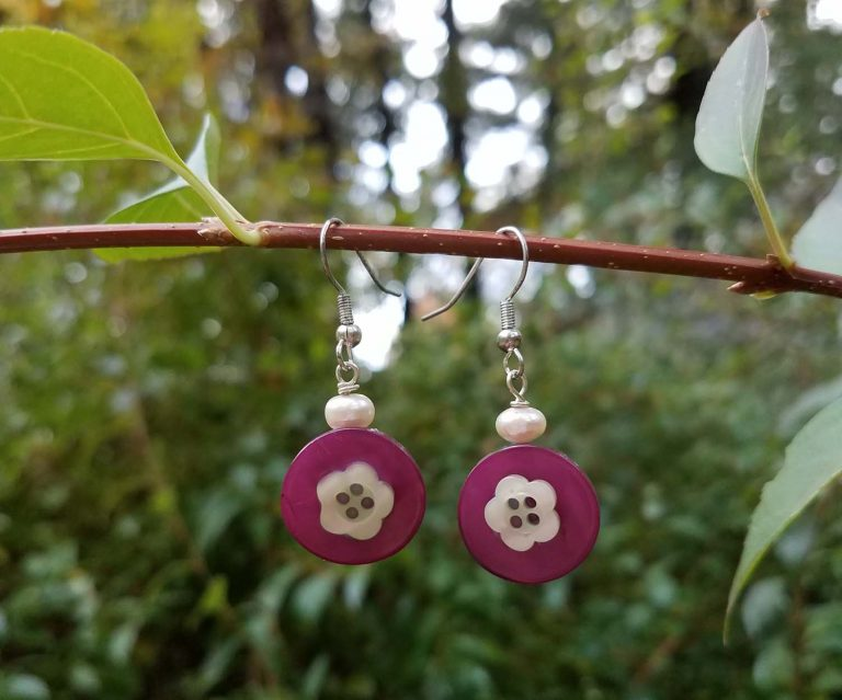 DIY Button Jewelry: Button Earrings + Button Crafts