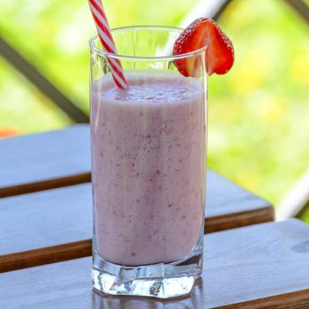 Strawberry Banana Kefir Smoothie Recipe