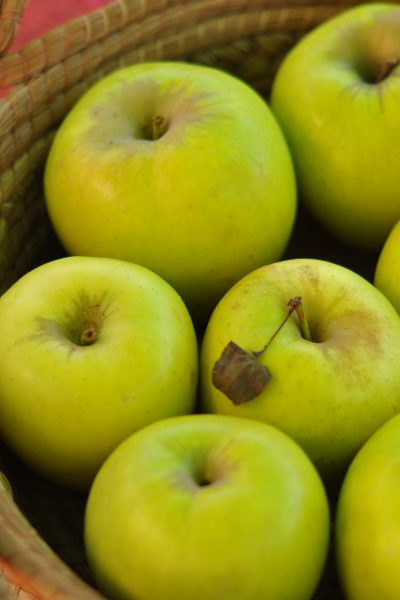 Keep Apples from Turning Brown with Fruit-Fresh